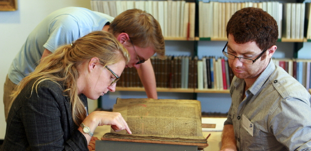 International Summer School in Manuscript Studies 2012. Photo: M.J. Driscoll